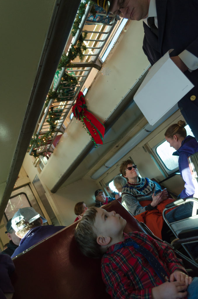 Train Ride With Santa 08